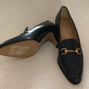 Gucci Classic Navy Pumps.